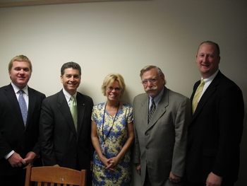 Cleveland DOs Meet with Sen. Brown staff